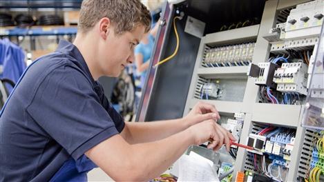 Elektroniker in für automatisierungstechnik gehalt